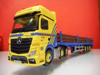 Corgi CC 15811 Mercedes Benz Middlebrook ltd.
