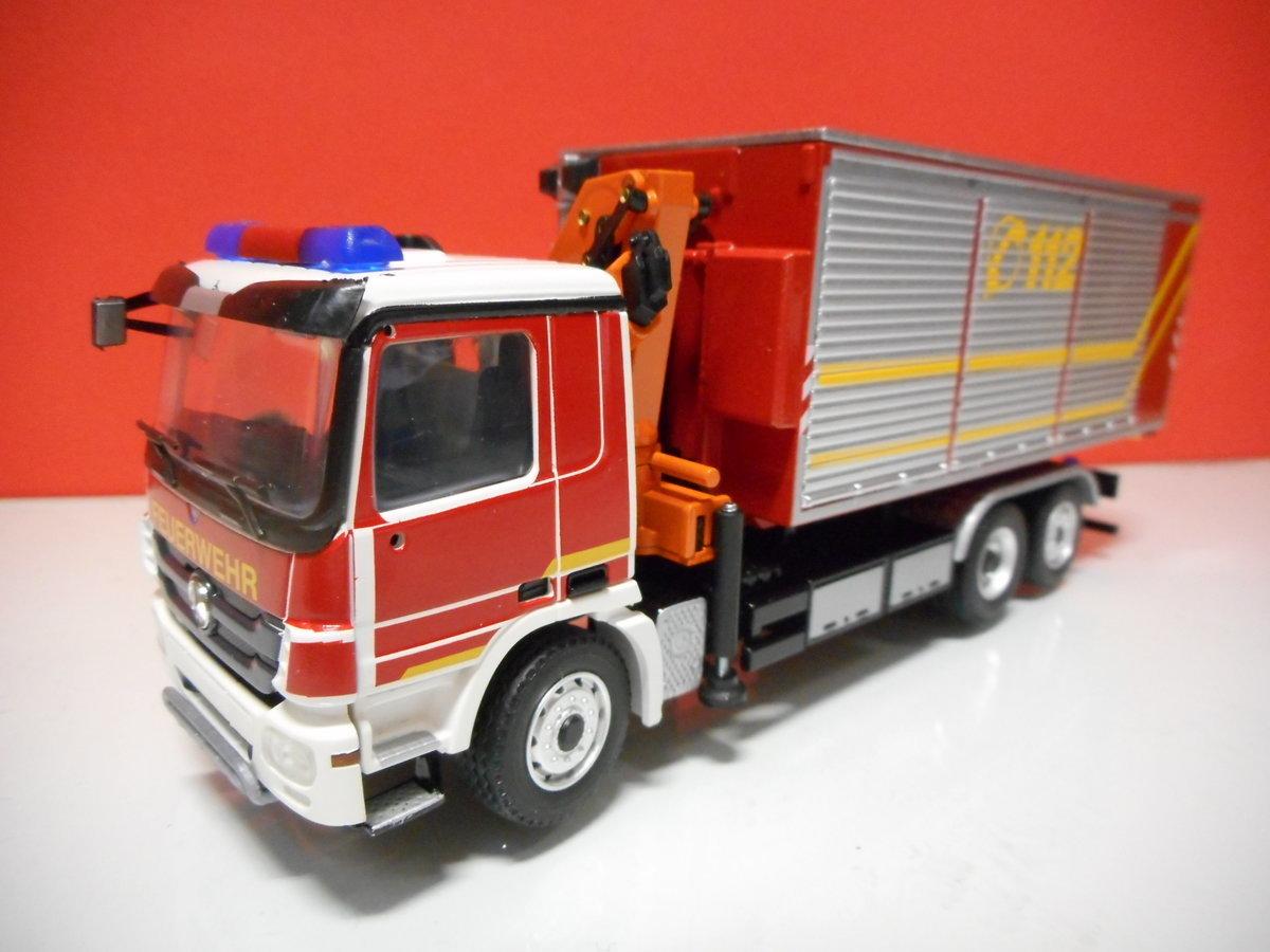 Conrad 72184 mercedes benz feuerwehr firebrigade for Mercedes benz nl